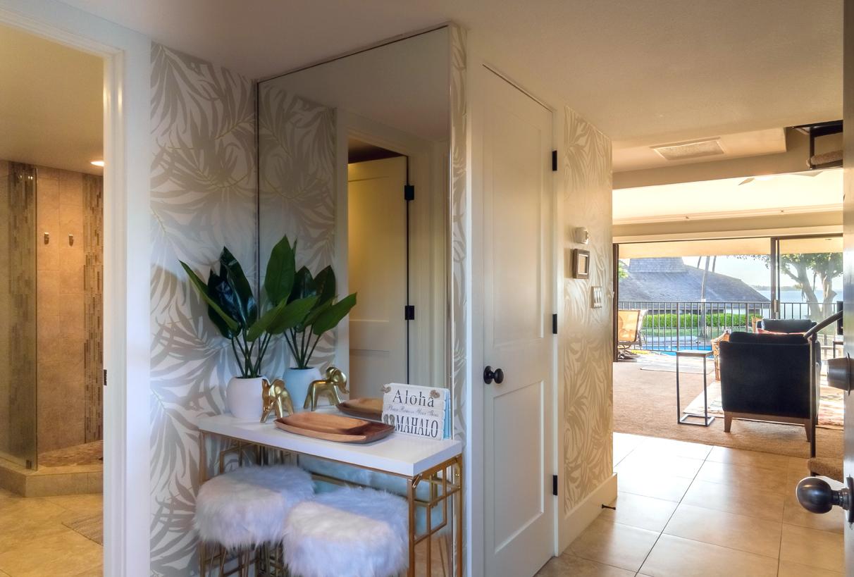 Entrance to Maalaea Surf Resort G8